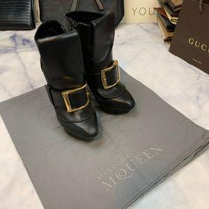 Alexander McQueen Shoes - ALEXANDER MCQUEEN platform booties